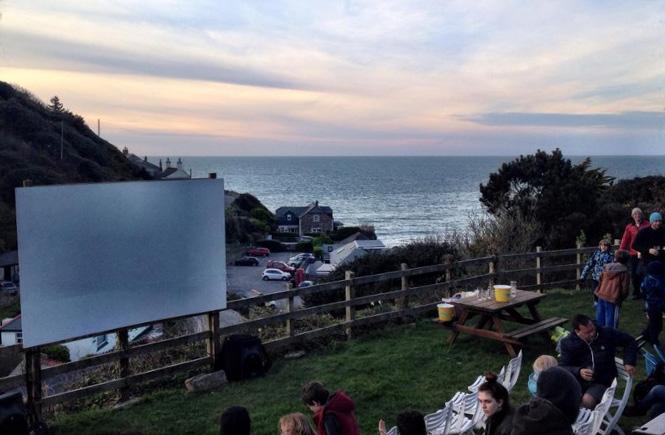 Surf_Cinema_2014