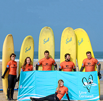 A surf day out with Global Boarders!