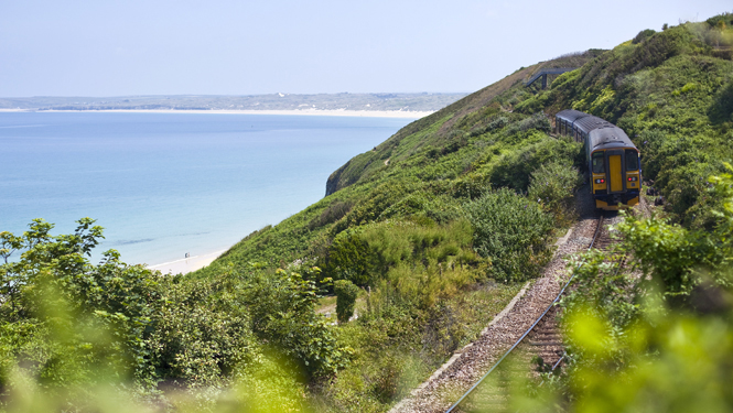 Train from Carbis Bay to St Ives